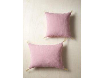 Coussin gaze de coton et pompons dorés rose fané
