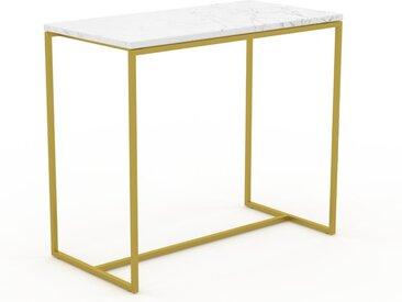 Table basse en marbre Blanc Carrara avec des jambes dorées, design contemporain, bout de canapé luxueux et sophistiqué - 81 x 71 x 42 cm, personnalisable