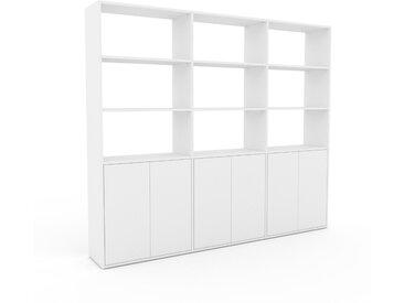 Bibliothèque - Blanc, pièce de caractère, rangements raffiné, avec porte Blanc - 226 x 195 x 35 cm, configurable