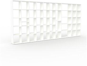 Bibliothèque - Blanc, design, étagère pour livres, sophistiquée, ouverte et fonctionelle - 424 x 195 x 35 cm, personnalisable
