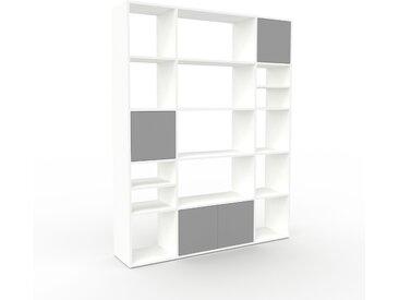 Bibliothèque - Blanc, pièce de caractère, rangements raffiné, avec porte Gris - 154 x 195 x 35 cm, configurable