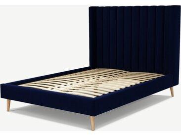 Cory, lit double (140 x 200) avec sommier à lattes, velours de coton bleu de Prusse et chêne