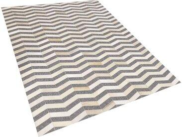 Tapis gris et beige motif zigzag en peau de vache et tissu 160 x 230 cm