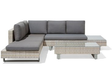 Salon de jardin moderne offrant confort et style