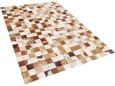 Tapis patchwork en peau de vache marron et blanc cassé 140 x 200 cm