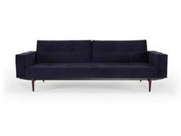 innovation Canapé-lit avec accoudoirs Splitback Styletto - bleu foncé/étoffe 541 velvet dark blue/structure acier noire/pieds de bois foncé