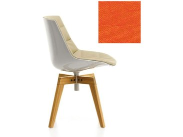 MDF ITALIA chaise rembourrée avec pieds en chêne FLOW CHAIR (Blanc / 542 - Polycarbonate / Cat. B tissu Gin)