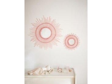 Miroir soleil en rotin rose clair