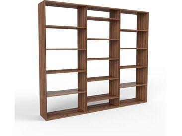 Système d'étagère en noyer, bois massif, design, rangements de qualité, pratique et flexible - 226 x 195 x 35 cm, personnalisable