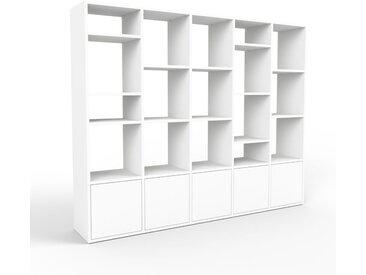Bibliothèque murale - blanc, modèle moderne, étagère, avec porte blanc - 195 x 157 x 35 cm, modulable