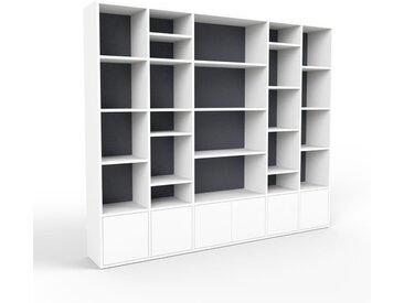 Bibliothèque - blanc, pièce de caractère, rangements raffiné, avec porte blanc - 231 x 195 x 35 cm, configurable