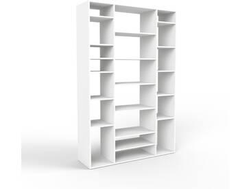 Bibliothèque - blanc, design, étagère pour livres, sophistiquée, ouverte et fonctionelle - 154 x 233 x 47 cm, personnalisable