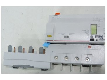 Bloc différentiel 63A 4P 30mA-3A type HPI (F) avec compteur d'énergie bornes à vis 400V DX3 LEGRAND 410657