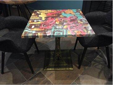 Table carrée Eiffel avec plateau Graffiti