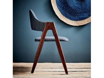 Chaise en tissu gris foncé piètement bois foncé Alinéa